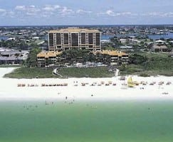 Club-Regency-of-Marco-Island-Hilton-Grand-Vacations-Club-Timeshare-Resale-Platinum-Points-243x300