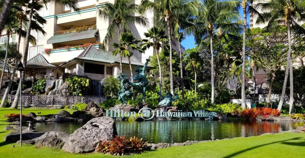 Hilton Hawaiian Village Front Statues