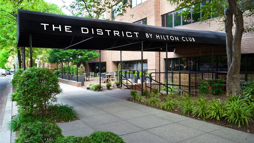9300 Points at Hilton Club District 1 Bed Plus