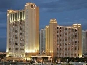 7000 Points at Hilton Las Vegas Strip 2 Bed